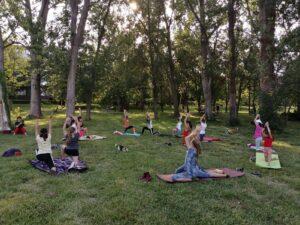 mișcare în aer liber, exerciții în parc